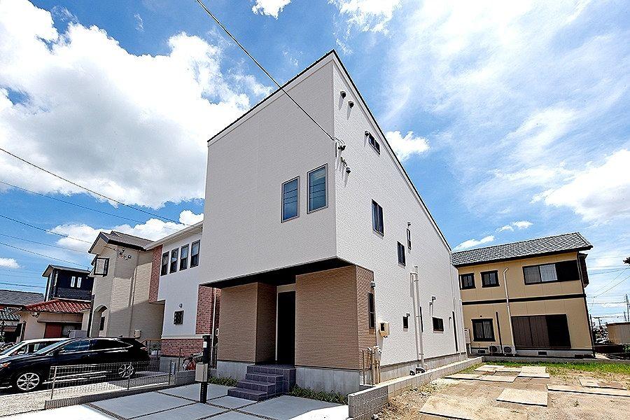 刈谷市末広町のAVANTIAの元モデルハウスです。