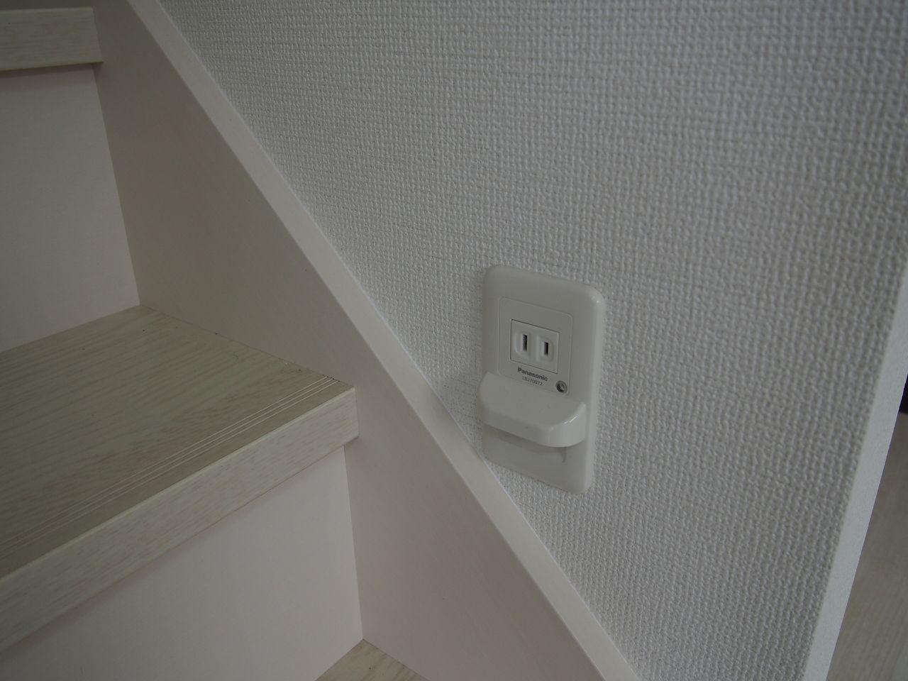 廊下や階段は安全に足元が確認できることが家庭内事故を防ぎます