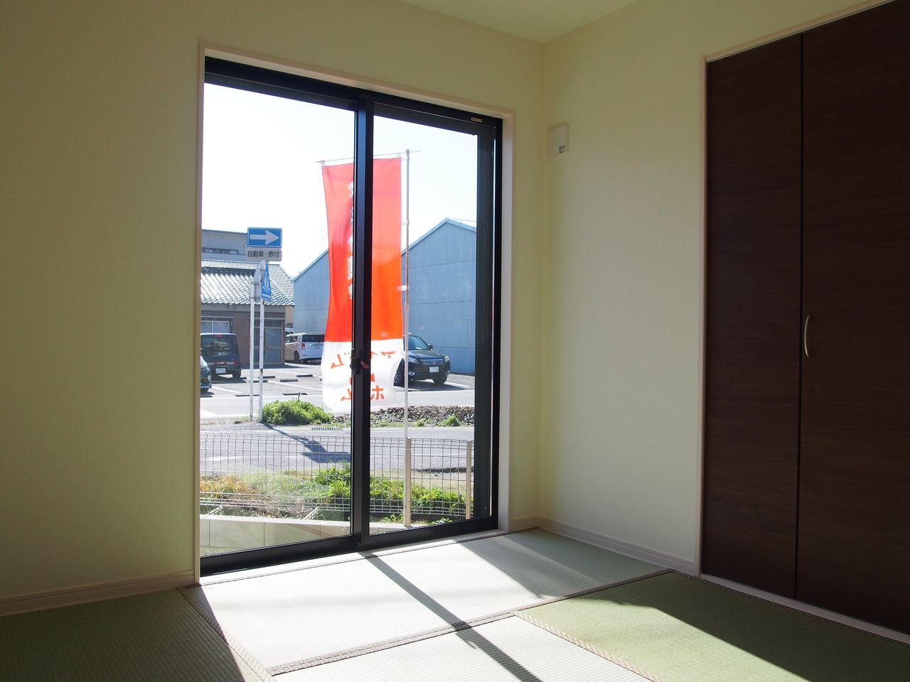独立した和室スペース。いまならリモートワークのお部屋としても、急な来客用のお部屋としても使えます。