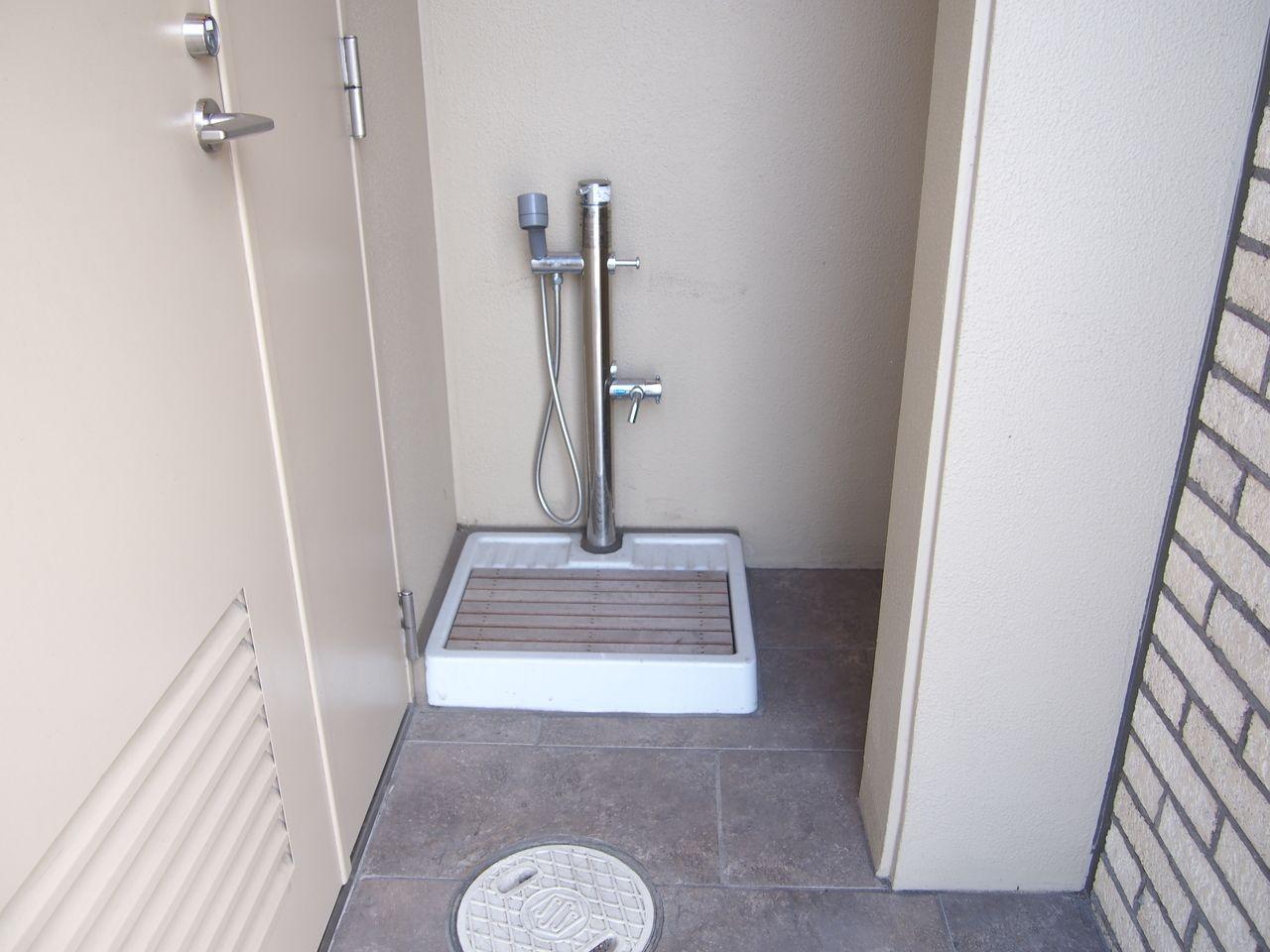 散歩から帰ってきたときに、1階の共用スペースにペットの足洗い場があると便利です。