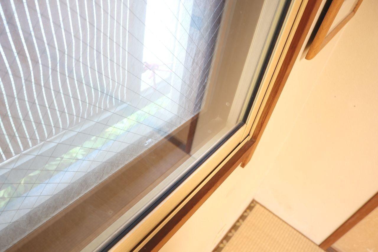 和室と北側の洋間はダブルサッシです。遮音性と気密性に優れます。