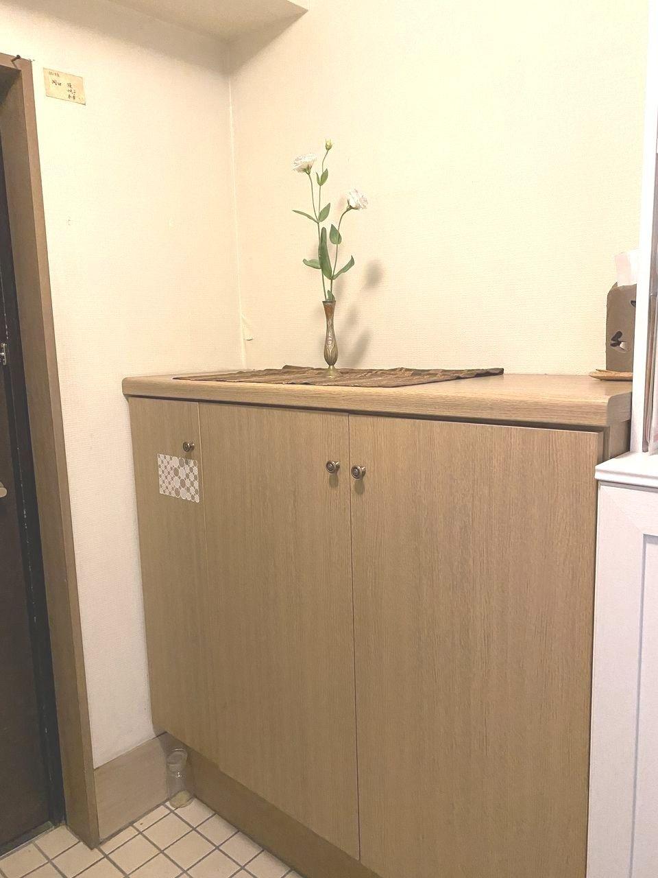 カウンタータイプのシューズボックスは、カウンターに好みの小物を飾り、自分らしさを演出できます。