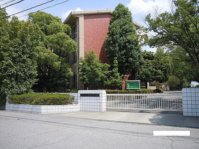 1987年(昭和62年)に刈谷市立双葉小学校と刈谷市立東刈谷小学校から分離独立して開校した