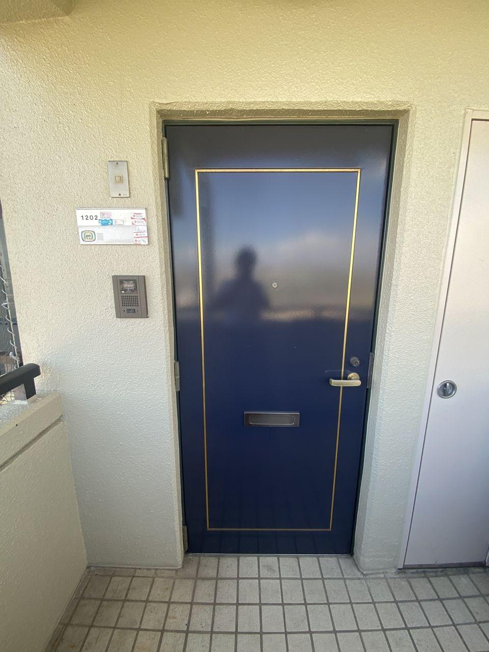 蒼い扉がかわいいね。